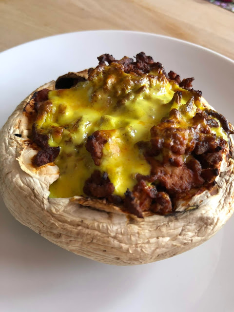 Airfryer Giant/Portabella Mushroom stuffed with Ragu Bolognese and Topped with Low Carb Cheese sauce