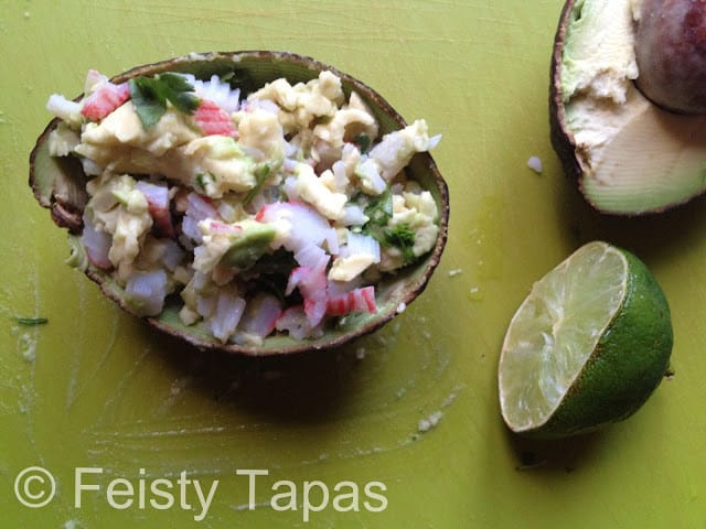 Avocado and surimi cups (recipe)