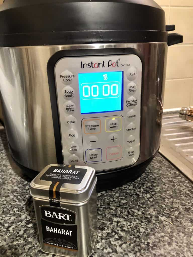 Instant Pot Baharat Chicken recipe by Feisty Tapas - Baharat spices from Bart